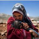145.000 Γυναίκες πρόσφυγες από την Συρία δίνουν μόνες μάχη για την επιβίωση των οικογενειών τους.